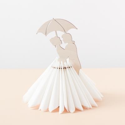 Салфетница из дерева влюбленная пара под зонтом