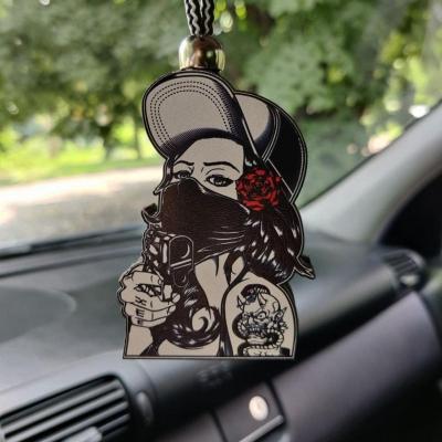 """Ароматизатор в машину из дерева, дизайн """"Девушка с пистолетом"""""""