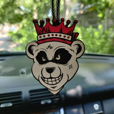"""Ароматизатор в машину из дерева, дизайн """"Медведь с короной"""""""