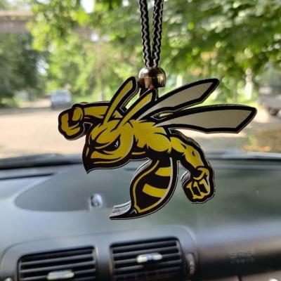 """Ароматизатор в машину из дерева, дизайн """"Злая пчела"""""""