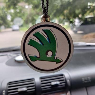 """Ароматизатор в машину из дерева, дизайн """"Логотип Skoda"""""""
