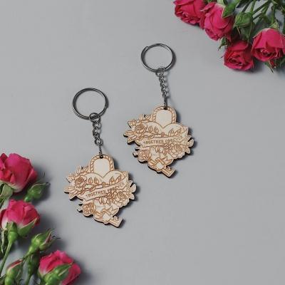 Брелок сердце для ключей из дерева валентинка v2