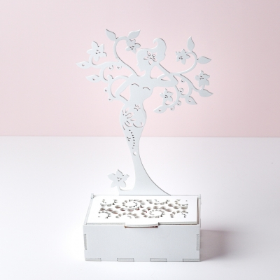 Подставка для украшений DomLazera Девушка со шкатулкой 2127 10*5*30см цвет белый (В наличии)