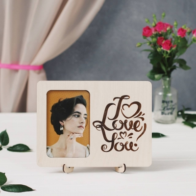 Фоторамка открытка из дерева на подставке - I Love You