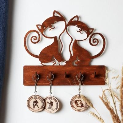 """Ключница настенная для ключей из дерева для дома """"Два котика"""" цвет красное дерево"""