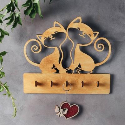"""Ключница настенная для ключей из дерева для дома """"Два котика"""" цвет медовый"""