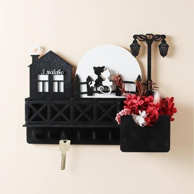 Ключница настенная из дерева Кошки на луне с балконом цвет черный с белым