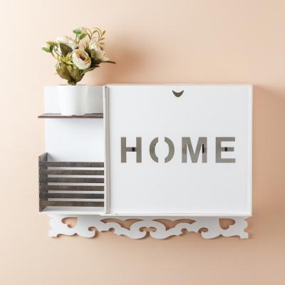 Ключница настенная HOME из дерева с полочкой, цвет белый с венге