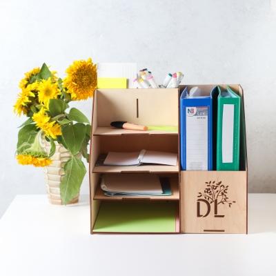 Настольный органайзер из дерева для папок формата А4 и отделами для канцелярии