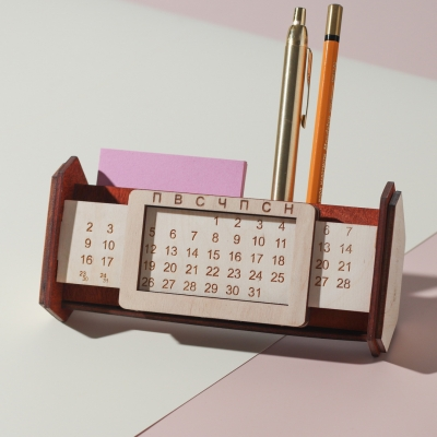 Вечный календарь органайзер из дерева, цвет красное дерево