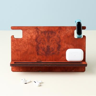 Мужской органайзер из дерева дизайн Волк, цвет красное дерево