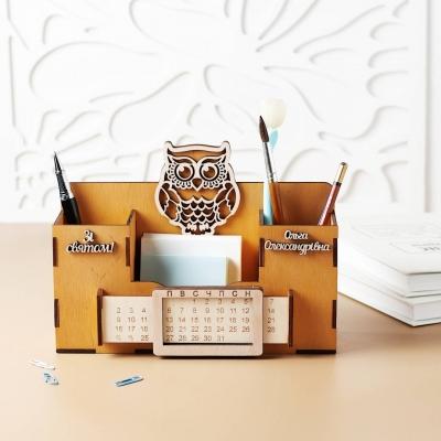 Деревянный именной органайзер с вечным календарем. Настольный органайзер с совой цвет медовый