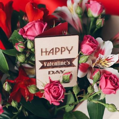 Открытка из дерева для букетов DomLazerа happy valentine`s day 2044 5*8см английский язык, без покраски с красной бумагой (В наличии)