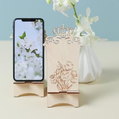 Подставка для телефона из дерева с короной дизайн тюльпаны v2