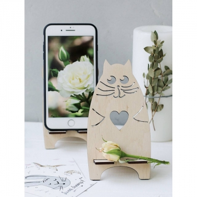 Подставка для телефона из дерева кот с сердечком