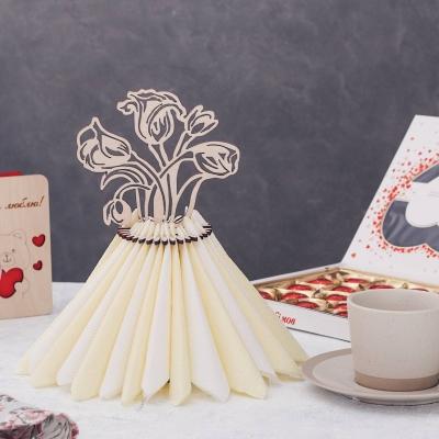 Салфетница из дерева букет роз