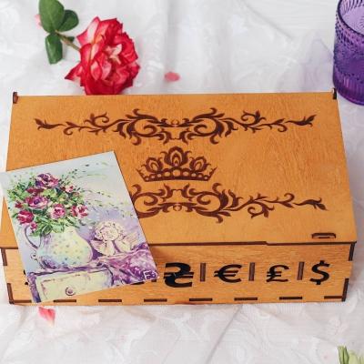 Семейный бюджет копилка из дерева дизайн вензеля с короной... цвет медовый