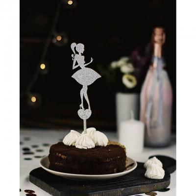 Деревянный топпер в букет или торт Девушка v1